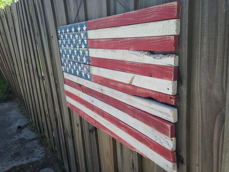 Please check out more of my work on https://instagram.com/plan_b_redesigns. United States of America flag. dimensions are 42 inches long, 22 inches tall.   Perfect for anything. All surfaces are sanded smooth.  I can customize yours to any size or dimension. this piece is coated with clear coat polyurethane to protect against the rain and weather and will last for years.  I do wide array if wood projects using recycled wood and I model most of pieces off ideas from Pinterest and Etsy.   Feel…