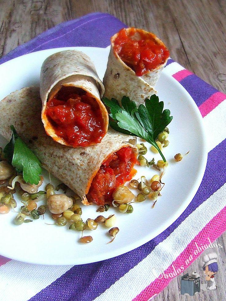 http://www.obados-na-obiados.com/2014/01/wrapy-z-chorizo-papryka-i-pomidorami.html
