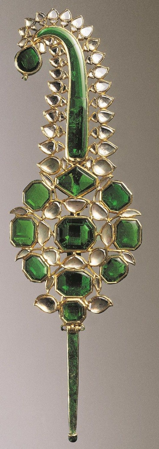 A gem-set gold Turban Ornament (Jigha). North India, Mughal, 18th Century