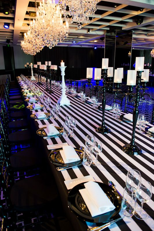Black & White Stripe Table + big crystal chandeliers ♥