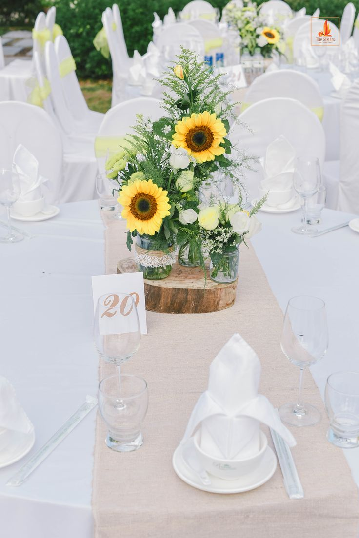 26 best Rustic Chic Centerpieces images on Pinterest | Rustic chic ...