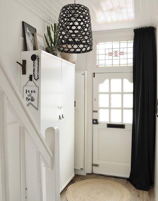van het kastje naar de muur.: DIY IKEA Hack: kast voor in de gang