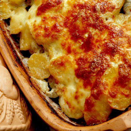 Egy finom Húsos rakott burgonya római tálban ebédre vagy vacsorára? Húsos rakott burgonya római tálban Receptek a Mindmegette.hu Recept gyűjteményében!