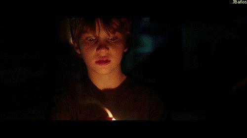 Nunca apagues la luz - Gif de Terror 61