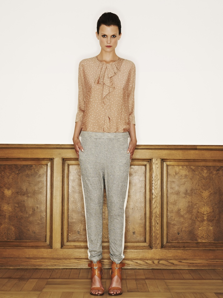 Rützou rayon silk blouse in deep champagne with white dots and cotton viscose linen sweat pants in gun metal with white stribe