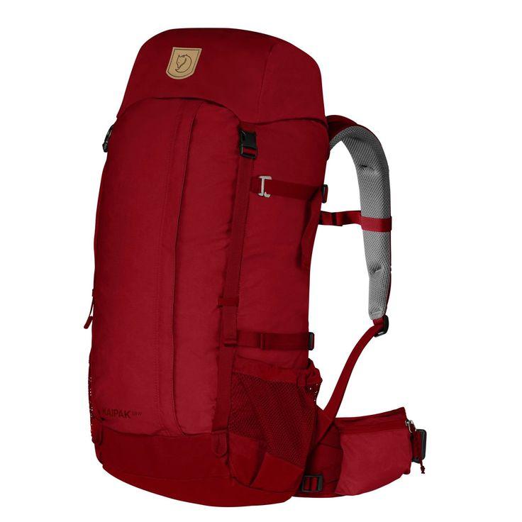 Kaipak 38W från Fjällräven är en avskalad och robust vandringsryggsäck i G-1000 Heavy Duty Eco. Avlastande bärsystem med fast rygglängd och rejält höftbälte. Anpassad för kvinnors kroppsbyggnad.