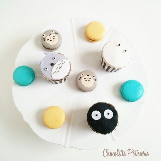 Totoro Themed party -  macarons and cupcakes
