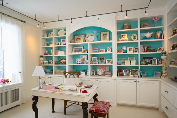 turquoise shelvesBuilt In, Offices Design, Garages Convers, Colors, Crafts Room Design, Crafts Room Shelves, Traditional Home Offices, Traditional Homes, Craft Rooms