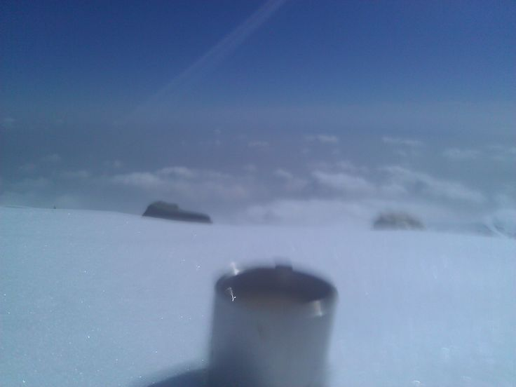 Coffee at an altitude of 4500 meters. Climbing.