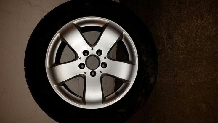 4 x Mercedes Alufelgen E-Klasse W211 A2114014502 7,5Jx16 H2 Pirelli Cinturato P7 225/55/R16 95WDie Felgen sind gebraucht daher ein paar Gebrauchspuren.Vorbeikommen, anschauen mitnehmen.Herstelldatum: 03/2014Profiltiefe: 6 - 6,5mmProduktbeschreibungenFahrzeugmodell: W211Fahrzeugtyp: PKWHersteller Teile Nr.: A2114014502Ronal 0984 002Felgenhersteller: MercedesFelgenzustand: GebrauchtFarbe/Modell: SilberFelgenaufbau: einteiligFelgentyp: AlufelgenZollgröße: 16Felgenbreite: 7,5Einpresstiefe (ET)…