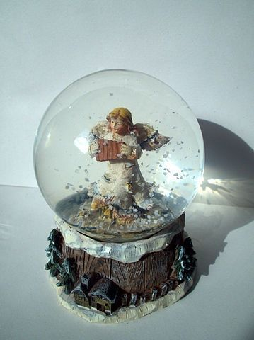 1000 Images About Wonderland Snow Globes On Pinterest