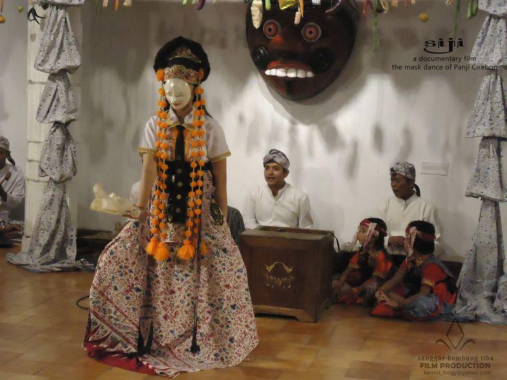 the mask dance of Panji Cirebon in Tambi style, Indramayu