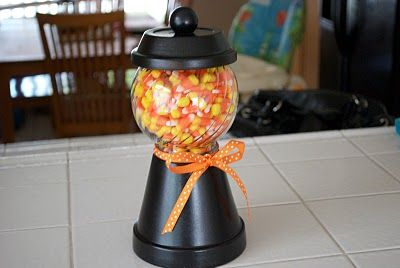 I love thisCandies Jars, Terra Cotta, Halloween Decor, Halloween Candies, Halloween Candy, Cotta Can, Homemade Candies, Clay Pots, Candy Jars