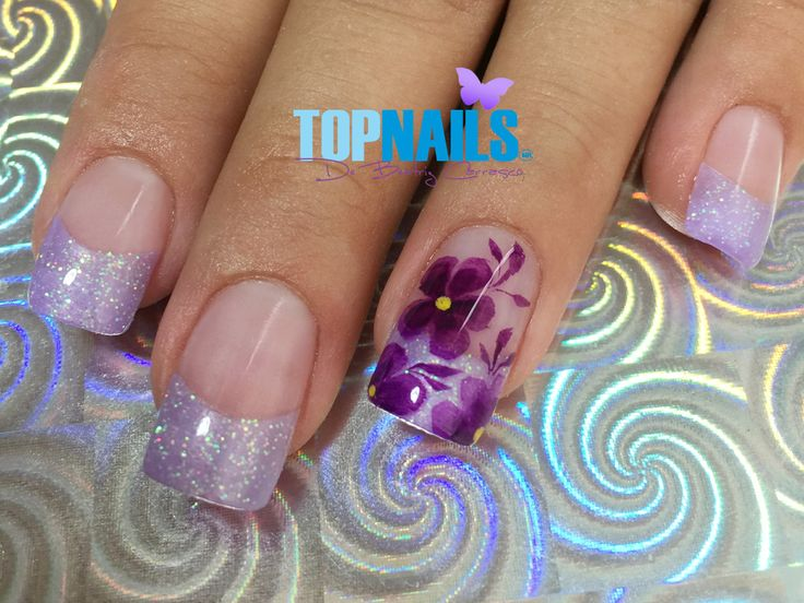 Uñas Acrílicas Francesas con Glitter y Decorado Floral 💅(Acrylic Nails French with Glitter and Floral Decorated) 💅 🌺Hazte Fans o Me Gusta 👍 en https://www.facebook.com/topnails.cl 🌸  🇨🇱www.topnails.cl ☎94243426, saludos Beatriz