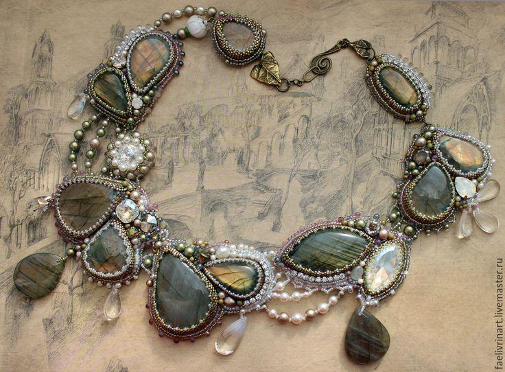 """Купить Комплект украшений """"Ландыши"""" - колье, браслет, серьги - оливковый, серебристый, ландыш, листва, трава"""