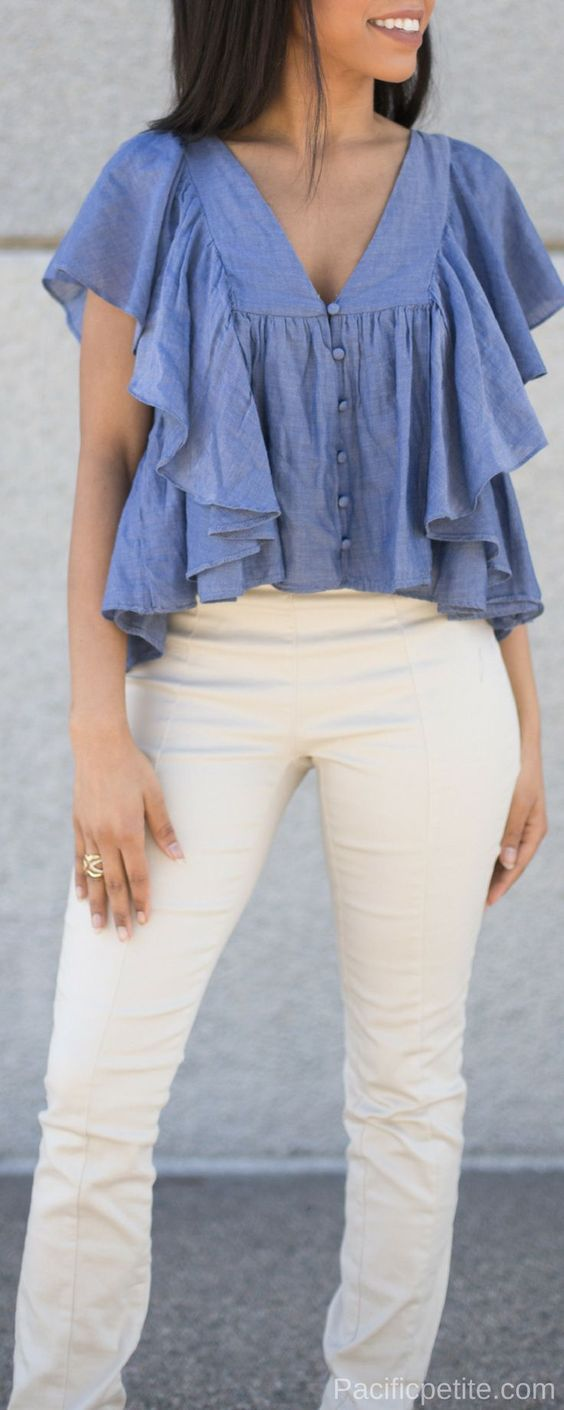 How to style a denim shirt outfit this summer. This outfit is also perfect for the spring and also casual and classy.