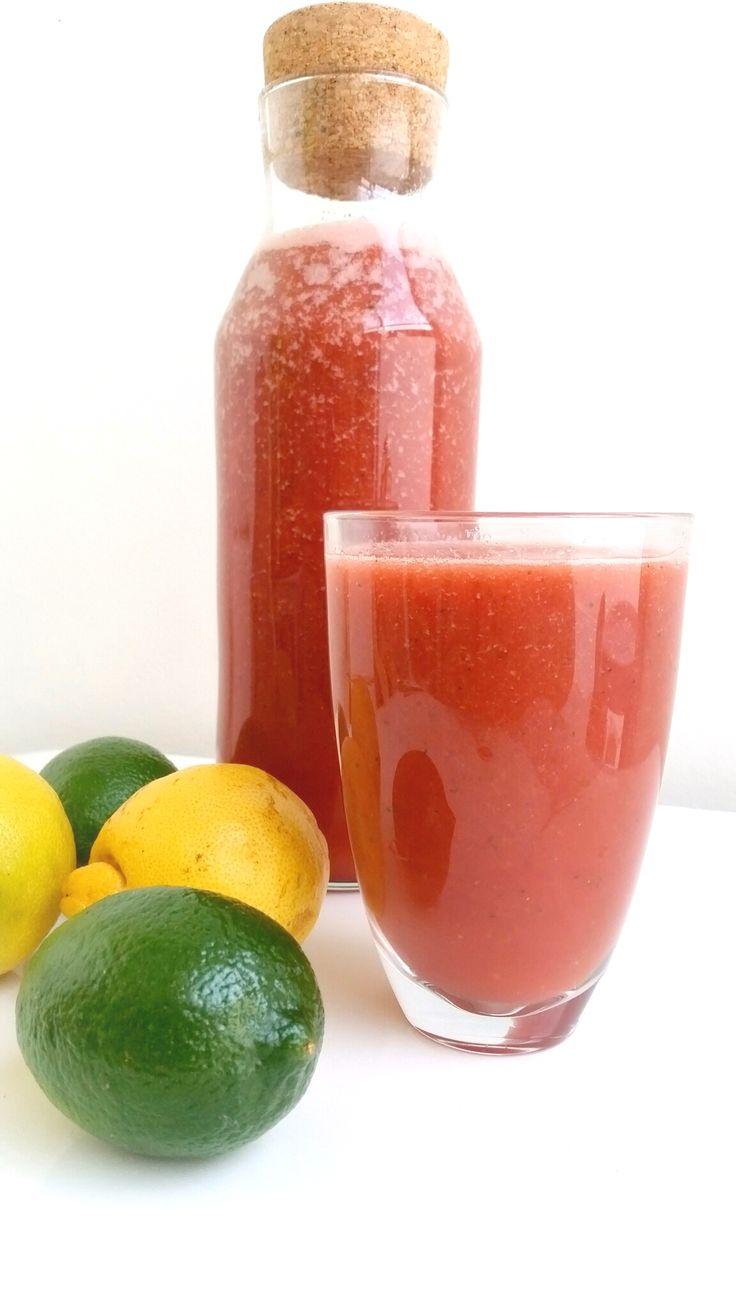 En väldigt nyttig melondrink full med c-vitaminer. Den innehåller jordgubbar, lime, citron och gurka som är en god källa till c-vitamin. Gurka sägs ha en renande effekt för kroppen och brukar ofta finnas med i detoxdrinkar. En god och svalkande boost för kroppen.