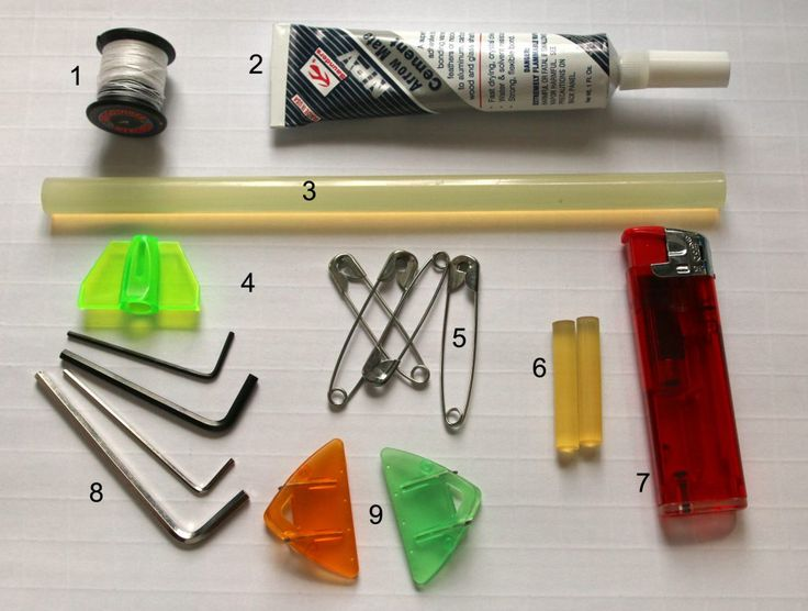 """Eine """"Notfallbox"""" mit einigen Ersatzteilen, Material und Werkzeugen sollte ein Bogenschütze immer dabei haben. In unserem neuen Blog-Artikel zeigen wir Ihnen, was unsere """"Recurve-Apotheke"""" so alles enthält und wofür die einzelnen Artikel nützlich sind. http://deutscher-bogensportverlag.de/notfallbox-fuer-recurvebogenschuetzen/"""