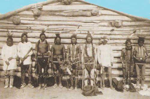 i_096.jpg (500×332) Индейцы племени сиу в костюмах для танца травы