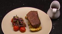 Bifteck d'aloyau avec pommes de terre Kipfler et sauce au vin rouge