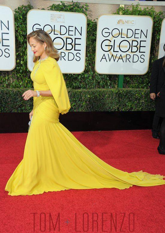 Jennifer-Lopez-Golden-Globes-2016-Red-Carpet-Fashion-Giambattista-Valli-Couture-Tom-Lorenzo-Site (4)