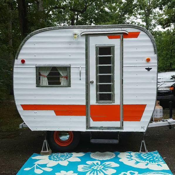 25 best ideas about vintage campers for sale on pinterest vintage campers vintage trailers. Black Bedroom Furniture Sets. Home Design Ideas