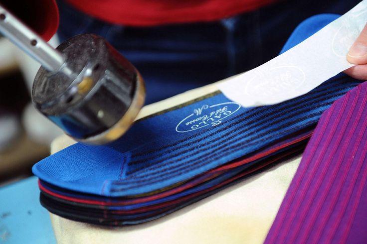 Disegnata e prodotta in italia la calza gallo e sinonimo for Sinonimo di personalita
