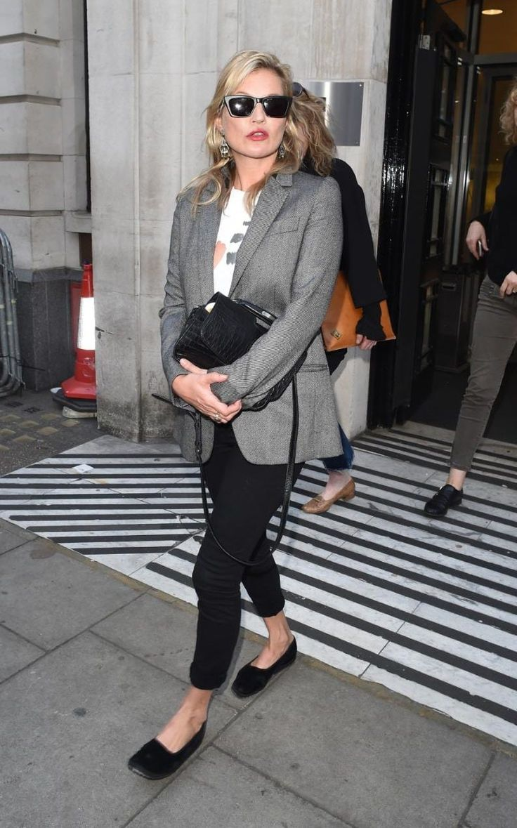Kate Moss proves a blazer and skinny jeans makes the perfect off-duty spring uniform