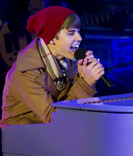"""Justin Bieber... my future husband. His """"Let it Be"""" performance sealed the deal for me... I'm in love."""