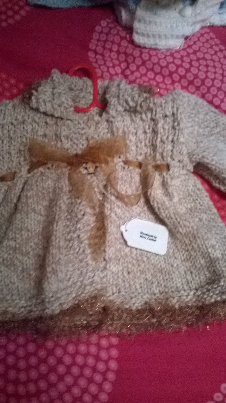 Beautiful baby coat age 6-12months £20+p&p sold
