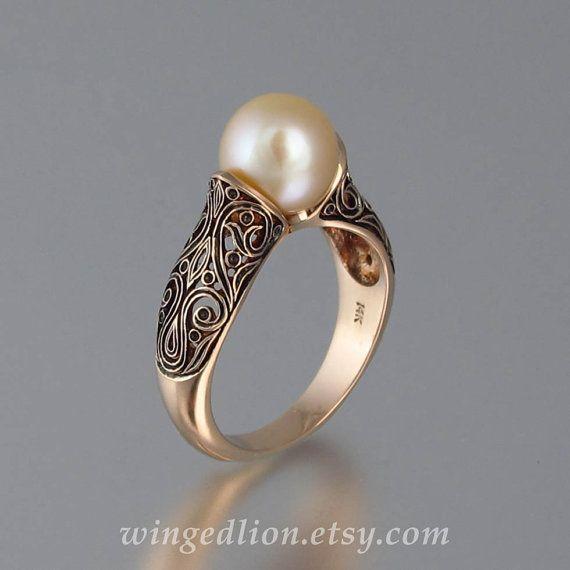 Artículos similares a La perla encantada rosa de 14 K anillo de oro en Etsy