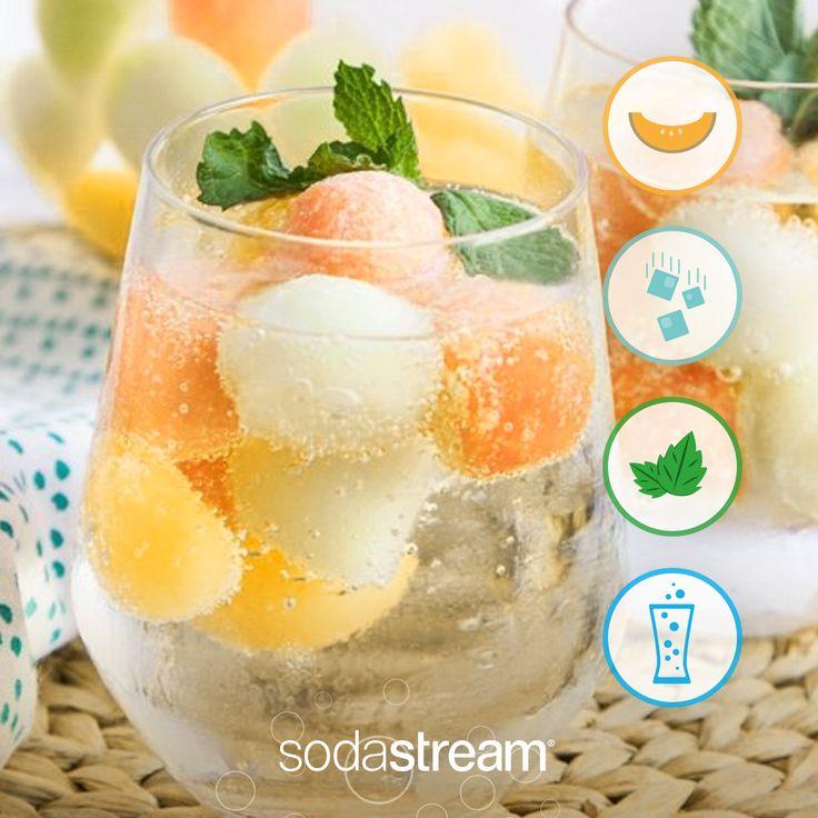 #Granita fai da te: a una coppetta piena di #ghiaccio, aggiungete cubetti di #melone e una spruzzata del fizz di SodaStream. Mettete in freezer e lasciate per circa 3 ore. Ecco pronta la vostra bevanda #detox e rinfrescante! #merenda #ricetta #ricette