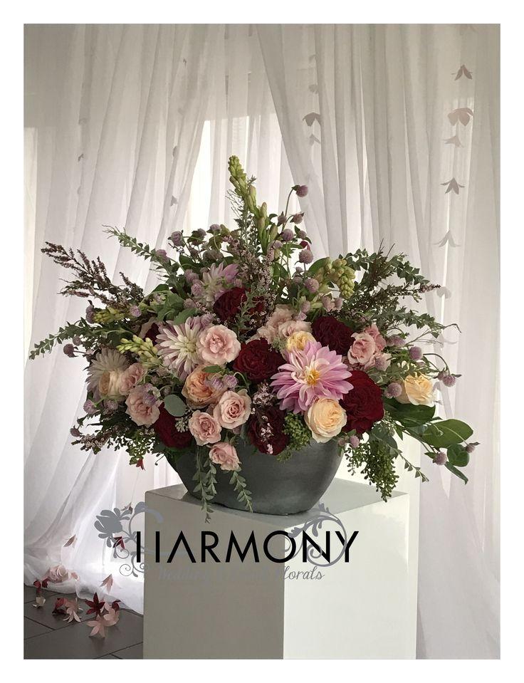 Ceremony arrangement #dahlias #gardenroses #textures