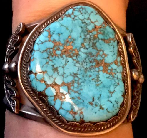 Navajo-Turquoise-Mountain-Turquoise-Exquisite-Silver-Work-Bracelet-Stamped-Bezel