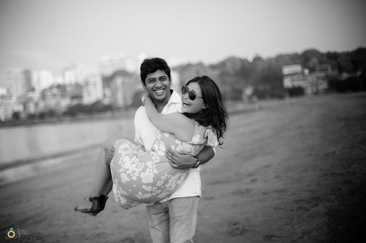 Wedding Photo Inspiration, Ideas, Style, Themes of Indian Wedding | iPic frames | PreWedding | Couple Shoot