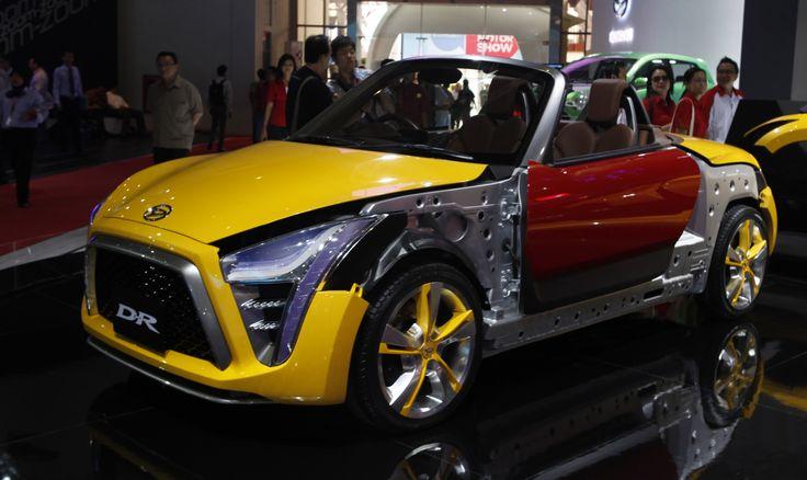 Mobil-mobil Konsep dan Sport di IIMS 2012