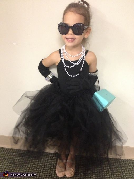 Amy: My little girl loves tutu's, jewels and anything fancy, so we decided to dress her as Audrey Hepburn from Breakfast at Tiffany's.