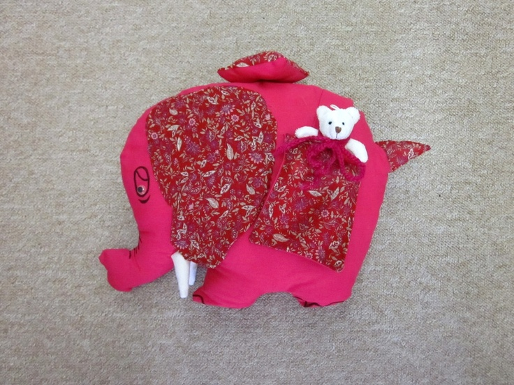 zelfgemaakte knuffels (olifant)