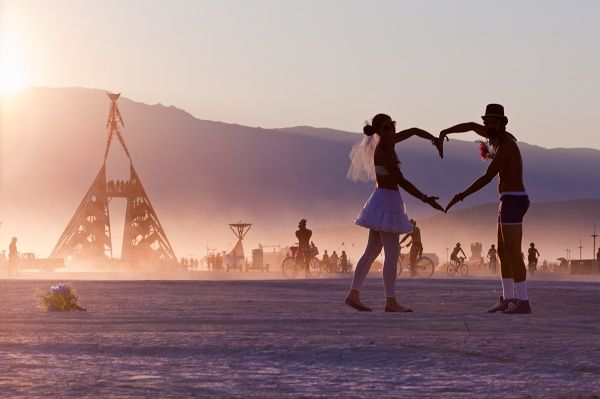 Experience Burning Man (Black Rock Desert, Nevada) PART OF MY BUCKET LIST