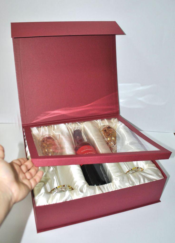 Футляр для оригинального подарка на годовщину свадьбы. Для заказа офис по ул.Канунникова 6, оф. 215. 📞89064068901 и +7(8442)600019. Или пишите на почту atmosfera34@mail.ru . Доставка по всей России. #коробкаподзаказ #изготовлениекоробок #крафт #коробкакрафт #подарочнаякоробка #Подарок #сюрприз #упаковка #радость #ручнаяработа #paper #kraft #decor #presents #подарочнаяупаковка #сургуч #подарочнаябумага #штамп #длясладостей #сладкиеподарки #коробкадляконфет #оформлениепраздников #праздник…