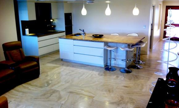 Featuring Caracalla Avorio 900x450 Tiles