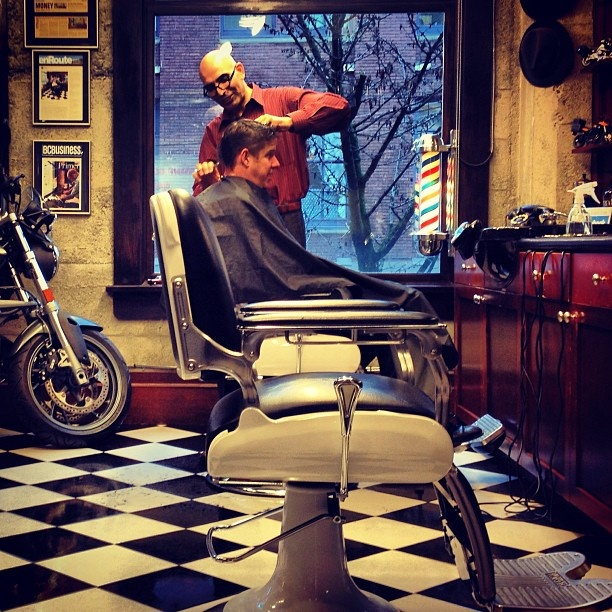 17 best images about barbershop on pinterest first haircut antiques and straight razor. Black Bedroom Furniture Sets. Home Design Ideas