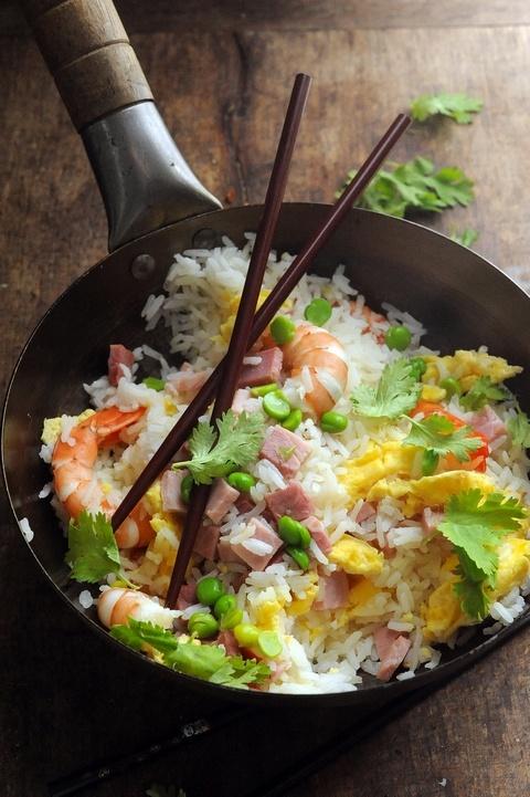 Mais pourquoi est-ce que je vous raconte ça... doriancuisine.com: Le plus célèbre des riz à l'asiatique ! Le riz cantonnais ! Les recettes du Parisien et d'Aujourd'hui en France Tome 3 !