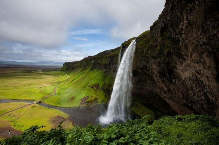 Explore the South Coast of Iceland, go glacier hiking, see amazing waterfalls, admire a black-sand beach and enjoy a memorable journey visiting all the major landmarks from Reykjavik. This minibus tour will give you the opportunity to make the most of your holiday in Iceland. Travel with Tourboks!