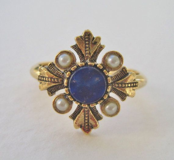 Vintage 1976 Victorian Edwardian Style Avon Viennese Size MEDIUM Gold Tone Faux Pearl Lapis Blue Adjustable 6 to 7 Ring Original Box NIB