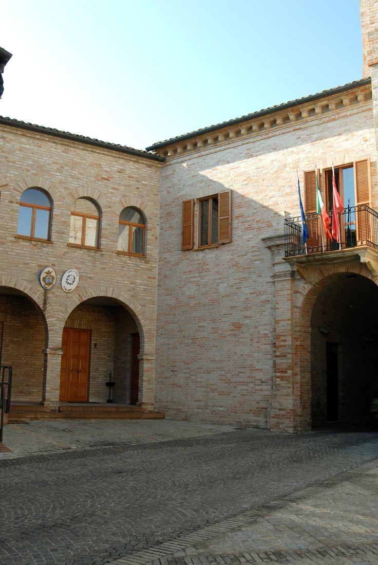 Palazzo comunale #marcafermana #altidona #fermo #marche
