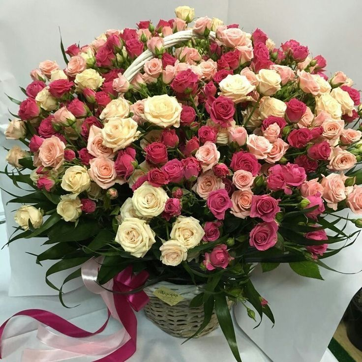 Картинка роскошный букет роз с днем рождения