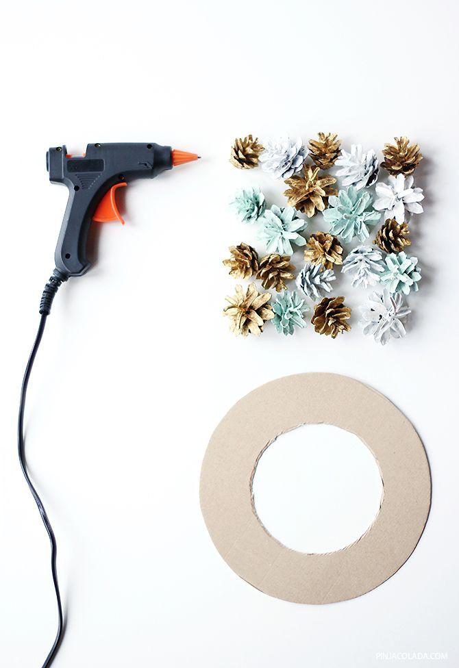 Pinjacolada: DIY Christmas wreath / Joulukranssi kävyistä