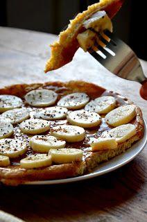 Fit jest Git: Dietetyczny omlet z masłem orzechowym i bananami