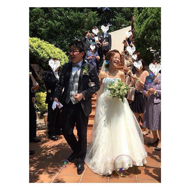 *♡*2015*5*15*♡* * *♡*Wedding Report 1*♡* * 無事結婚式を終えることができました😊💕✨🌱 * お天気が最高で、本当に本当に本当に幸せすぎる一日でした😭💕✨ * まず、いとこが撮ってくれた、ベストショット過ぎる一枚からUPしたいと思います☺️💓 * 写真撮るのがめっちゃ上手ないとこに感謝です😭✨✨✨ * さてと!これから、ひどく散らかった部屋を片付けながら😭、たまに写真を見て余韻にひたりつつ☺️、ぼちぼち写真をUPさせていただきます👍✨ またよければお付き合いください☺️ * でもなんだか、これですんごく結婚したなーって実感が湧いてきました! やっと新婚の気分で生活できそうです👫 * あ〜楽しかった〜〜〜😭✨ 感謝しかないです😭✨ * * * #結婚式 #ウエディング #wedding #ガーデンウエディング #ガーデン挙式#weddingreport #love